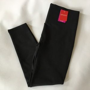 Spanx Every Wear Cropped Legging Large Black NWT